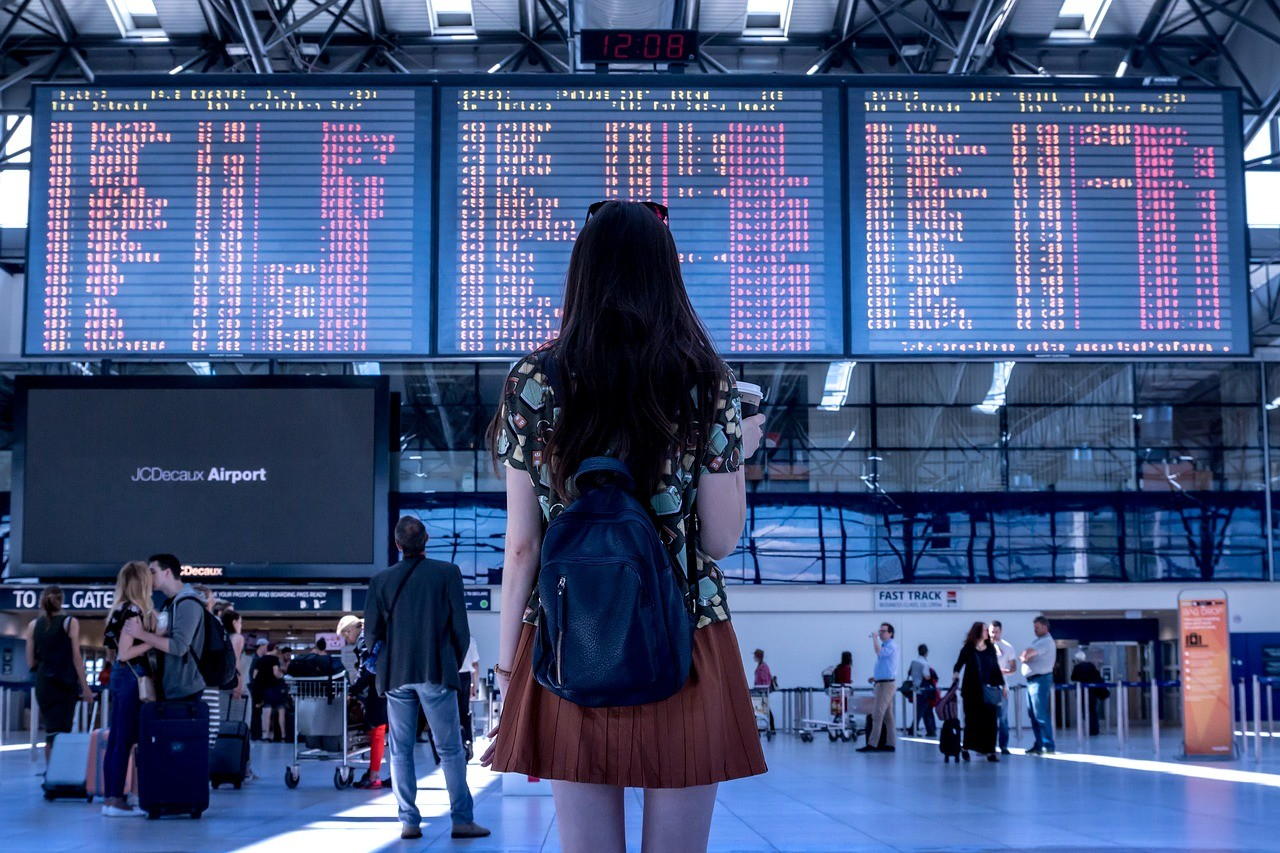 7 Awesome Ways Traveling Can Help You Make Money
